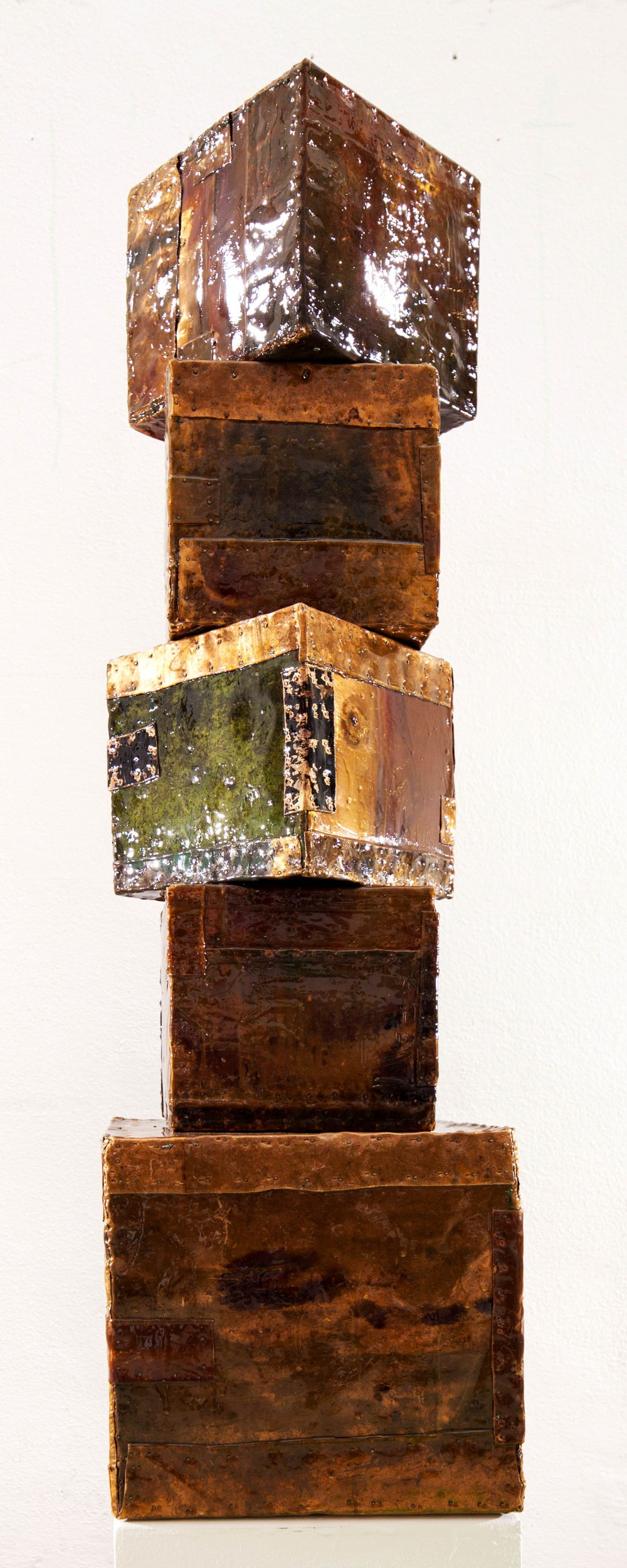 Cubetower, 2014, 112x30x30cm,, Lackiertes Kupfer